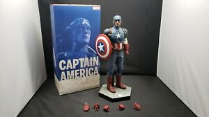 Sideshow Collectibles Marvel Captain America1/6 Scale Collectible Action Figure