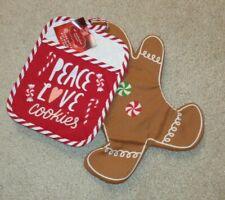 St. Nicholas Square Gingerbread Man Oven Mitt Christmas Cookies Pot Holder NEW
