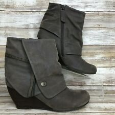 Blowfish 7M Gray Faux Suede Wedge Heel Ankle Boot Cuffed Casual Zip Up Womens