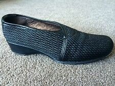 AUTH TARYN ROSE LEATHER FLATS LOAFERS  SHOES Sz 35 M IT 5 US? MADE IN ITALY