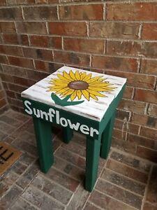 Rustic Wood Sunflower Farmhouse Table