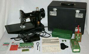1955 Singer 221 Featherweight Sewing Machine, Case/Accessories, Damaged Light