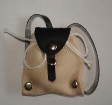 Rucksack in beige ca 3x3,5 cm groß Puppenzubehör 1:12