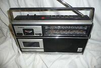 RADIO cassette portable GRUNDIG C4200 K/SW U/FM LW MW  mains battery 22x37x8cm