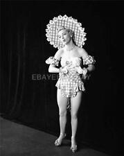VIVIANE BLAINE GUYS & DOLLS 1951 8x10 DBW Photo Embossed MILTON GREENE IM770