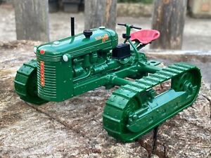 1/16 scale ERTL 13079 Oliver HG crawler Raupe tractor tracteur