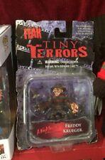 Un incubo on Elm Street Freddy Krueger CINEMA of Fear Tiny Terror Figure Mezco