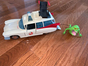 Vintage ECTO-1 1984 Kenner The Real Ghostbusters Action Figure With Slimer