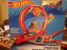 Hot Wheels Speedy Pizza Race Track Set, City Connect Race Car Track with Vehicle