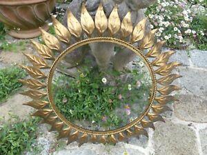Miroir Soleil entourage 46,5cm en Métal Doré vers 1960 diam intérieur 29,5cm