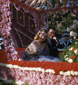 Vintage Stereo Realist Photo 3D Stereoscopic Slide PINUP Rose Parade Float Pair