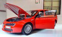 1:24 Echelle Motormax 2007 Alfa Romeo 159 V6 Sportwagon Voiture Miniature 73372