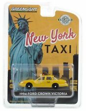 1994 Ford Crown Victoria TAXI - New York City Taxi *** Greenlight Hobby 1:64 NEU