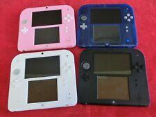 2DS Konsole Rot/Weiß, Blau/Schwarz, Rosa, Hellblau mit Download-Spiel nach Wahl