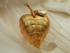 Nice Vintage 70s Avon Perfume Locket Poison Gold Tone Leaf Brooch Signed 800J5