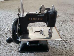 Vintage Singer Sewhandy Model 20 Child's Miniature Hand Crank Sewing Machine