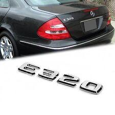 MERCEDES Benz MB W211 ORIG. NUOVO E320 ETICHETTA ADESIVO Badge Emblema A1248175815