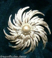 Vintage high quality Signed SARAH COVENTRY brooch/broach/pin