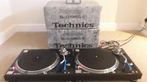 2 x Technics SL1210M5G
