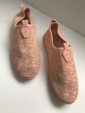 Ladies Girls Size 5 Peach Slip On Pump Trainers Walking Outdoor Hiking Shoes