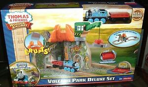 Thomas & Friends  Wooden Railway Volcano Park Deluxe Set CdK48
