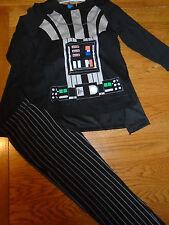 BNWT Ragazzi Star Wars Pigiama con mantello staccabile. 4-5 anni