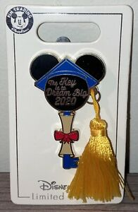 2020 Disney Parks Mickey Mouse Key Pin Graduation 2020 LE 4500 NEW