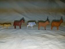 Erzgebirge hand carved animals, 5 in total which are 1 1/2 inches high.