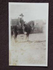 OLD MAN / COWBOY WITH TEN GALLON HAT SITTING ON A HORSE 1931 PHOTO