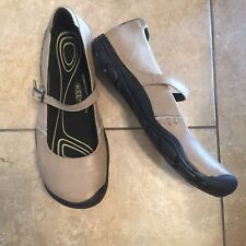 KEEN DELANCEY Mary Janes BEIGE Tan LEATHER FLATS  9 buckle strap