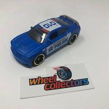 Dodge Charger Srt8 * Hot Wheels Diorama 1:64 Scale * F1637