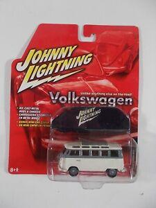 Johnny Lightning 1/64 Volkswagen 1966 Samba Bus