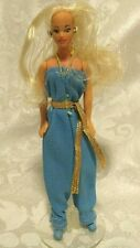 """1981 KENNER GLAMOUR GALS 4-1/4"""" DOLL, #3 SHARA + STAND, BLUE JUMPSUIT"""