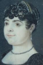 Tableau miniature élégante portrait collier de perles