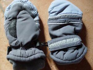 1 paar Faust-Handschuhe, Gr.5, für 4-5 jährige, grau
