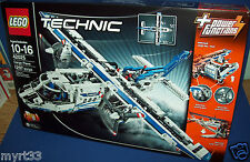 LEGO 42025 CARGO PLANE TECHNIC -2 in 1 retired new sealed