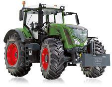 WIK77345 - Tracteur 828 Vario FENDT équipé du relevage avant avec masse - 1/32