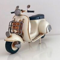 Vintage Retro Style Cream Metal Scooter Tin Model Home Decoration Ornament Gift