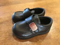 Kenneth Cole Reaction Tiny Flex Leather Toddler Kids Dress Shoes 5M Medium EUC