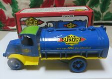 ERTL Blue Sunoco 1926 Bull Dog Mack Tanker Truck and Bank