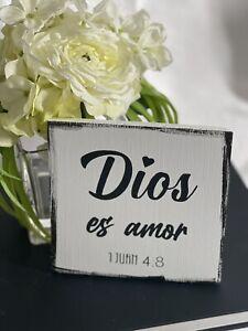 "Dios es Amor Letrero de Madera Wood Sign Farmhouse Rustic Handmade 5.5""x5.5""x.5"""