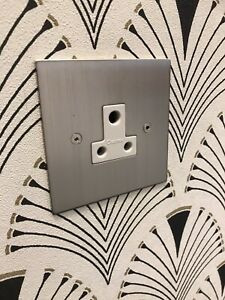 Focus SB Horizon Square NHSN20.1W Satin Nickel 5 Amp Single Round Pin Socket