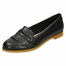 dc897a48ab362 Clarks Ladies Fringe Trim Loafer Flat Shoes Andora Crush UK 7 Black D