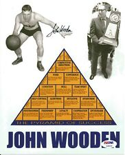 John Wooden Signed UCLA BRUINS PYRAMID OF SUCCESS 8x10 Photo PSA/DNA COA #3