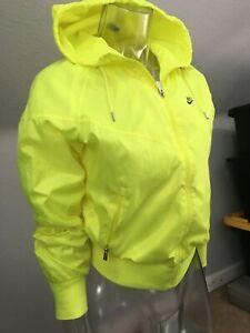 NIKE Sportswear Women's Windrunner Jacket Lime S