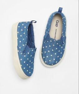 GAP Baby / Toddler Girl NWT Size US 6 Blue Denim Chambray Slip-On Sneakers Shoes