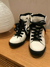 FOREVER 21, White Canvas HighTop Sneakers with black Laces, Hidden Heel,Sz 6,NEW