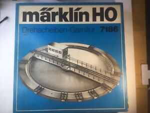 Marklin Turntable # 7186 HO Scale - 10 Different Track - No Reserve!