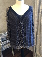 GORGEOUS GHOST SILK BLOUSE. GREAT CONDITION. XL (14-16).