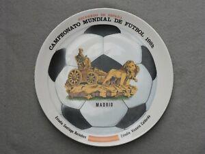 ASSIETTE VINTAGE EN CERAMIQUE COUPE DU MONDE FOOTBALL 1982 ESPAGNE DIAM 24 CM